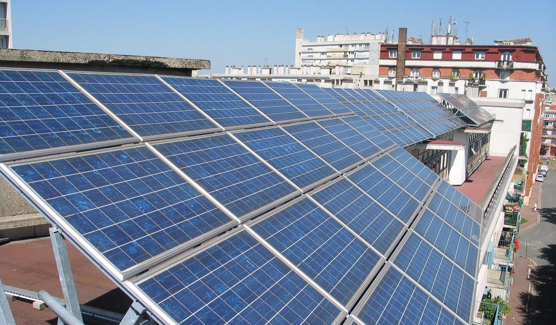 solar-panels-894291_1920